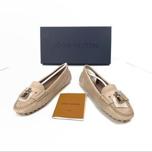 Louis Vuitton Close Up Flat Loafer LV Size 35 / US